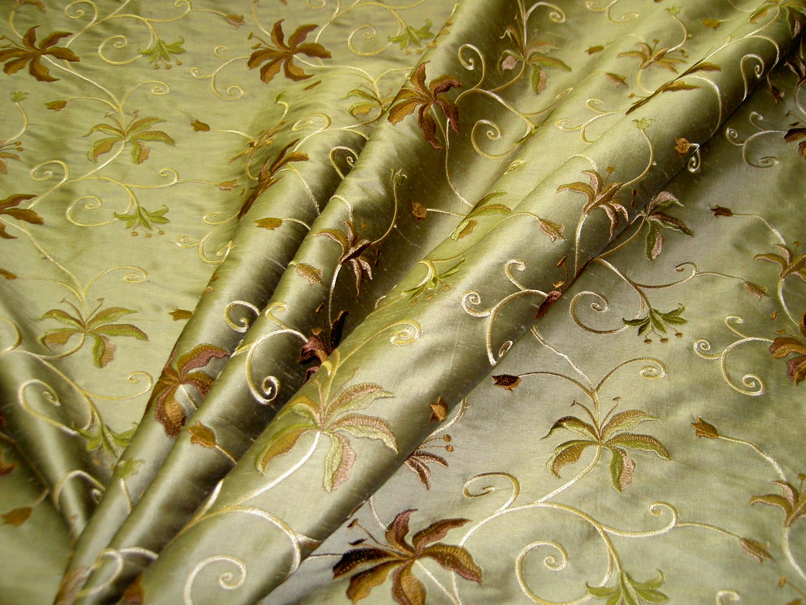 http://www.discountdesignerfabricatschindlers.com/images/WWF_World_Wide_Fabrics_Pattern_Floral_Embroidered_Color_Olive_100_Silk_Fabric_S010906-004.jpg